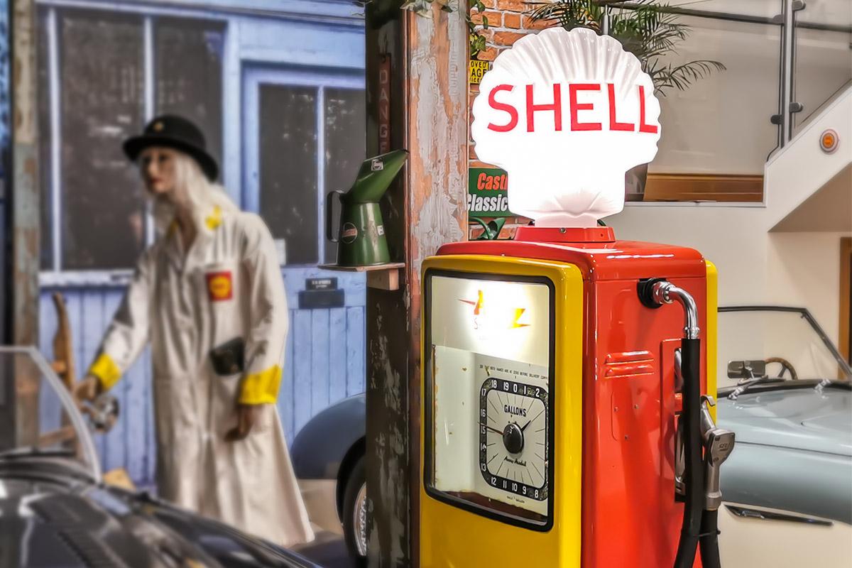 Retro Shell petrol pump at A H Spares